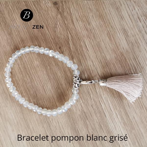 Bracelet-pompon-blanc-grise